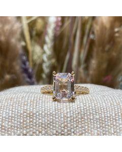 14 Karat Guld Ring fra Henrik Ørsnes Design med Morganit og Diamanter 0,28 Carat W/SI